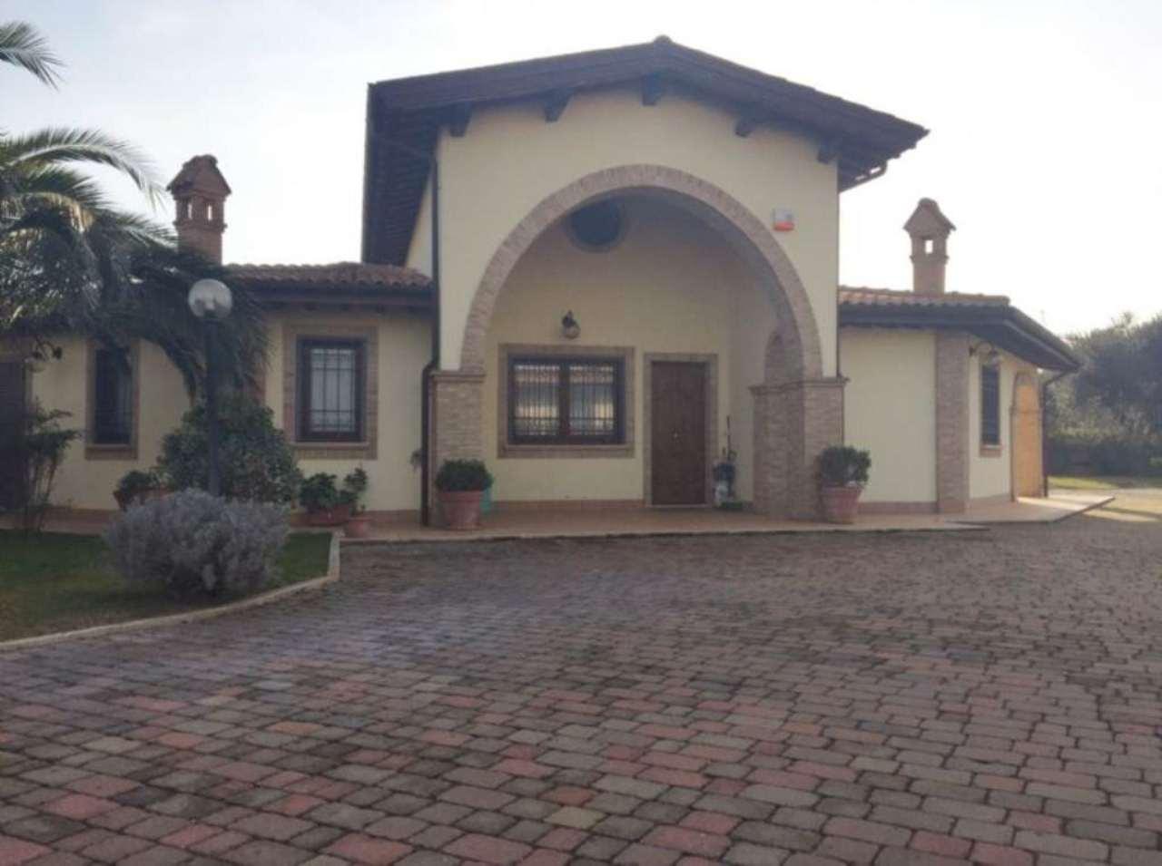 Villa Bifamiliare in vendita a Fiano Romano, 4 locali, prezzo € 285.000 | CambioCasa.it
