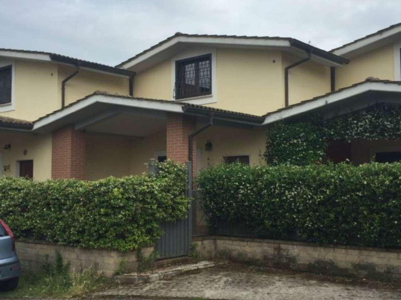 Villa in vendita a Fiano Romano, 4 locali, prezzo € 180.000 | Cambio Casa.it