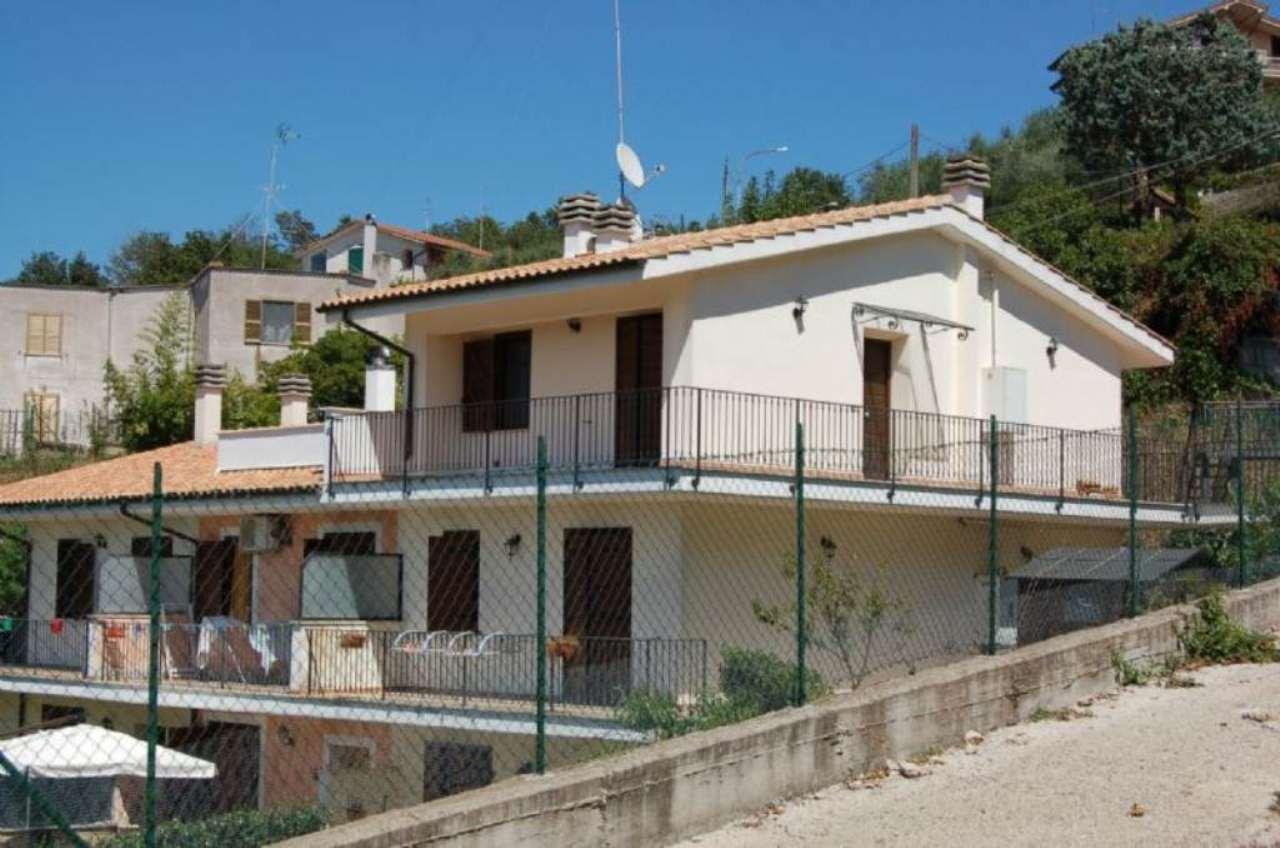 Soluzione Indipendente in vendita a Castelnuovo di Porto, 3 locali, prezzo € 119.000 | Cambio Casa.it