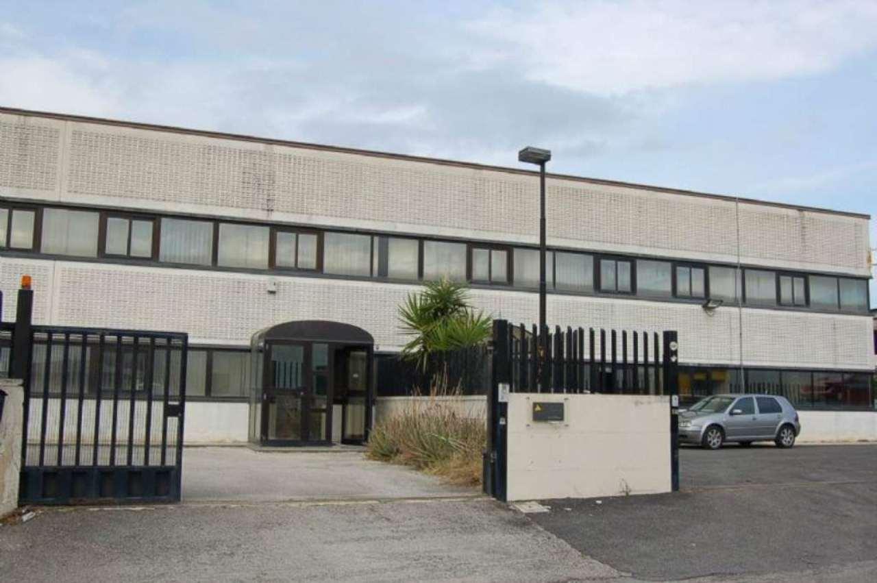 Capannone in affitto a Fiano Romano, 2 locali, prezzo € 800 | Cambio Casa.it