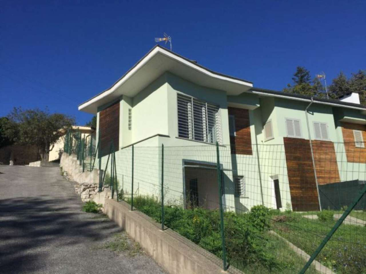 Villa a Schiera in vendita a Capena, 5 locali, prezzo € 187.000 | CambioCasa.it