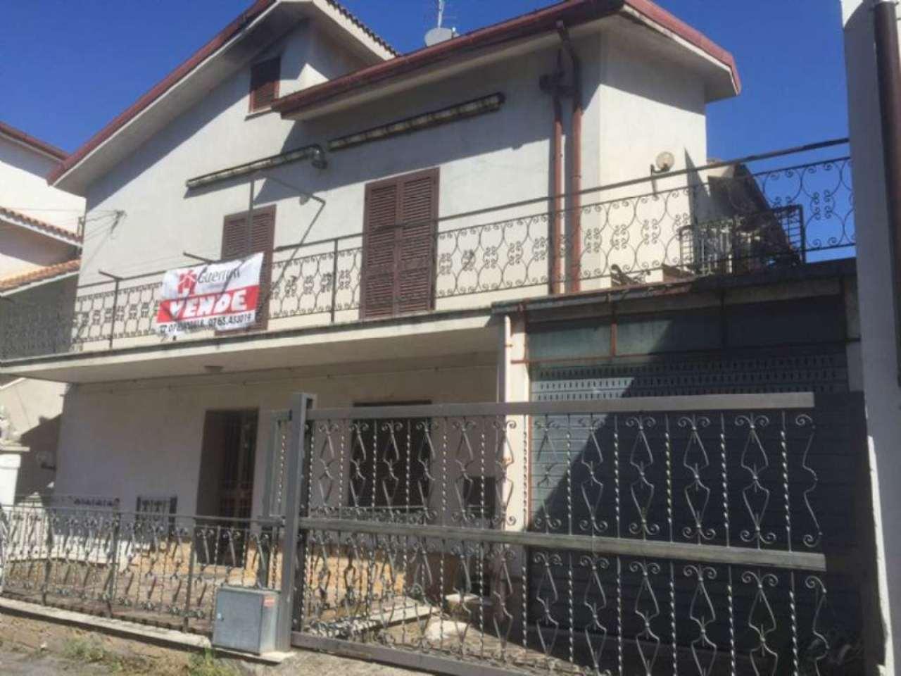 Appartamento in vendita a Fiano Romano, 4 locali, prezzo € 170.000 | Cambio Casa.it