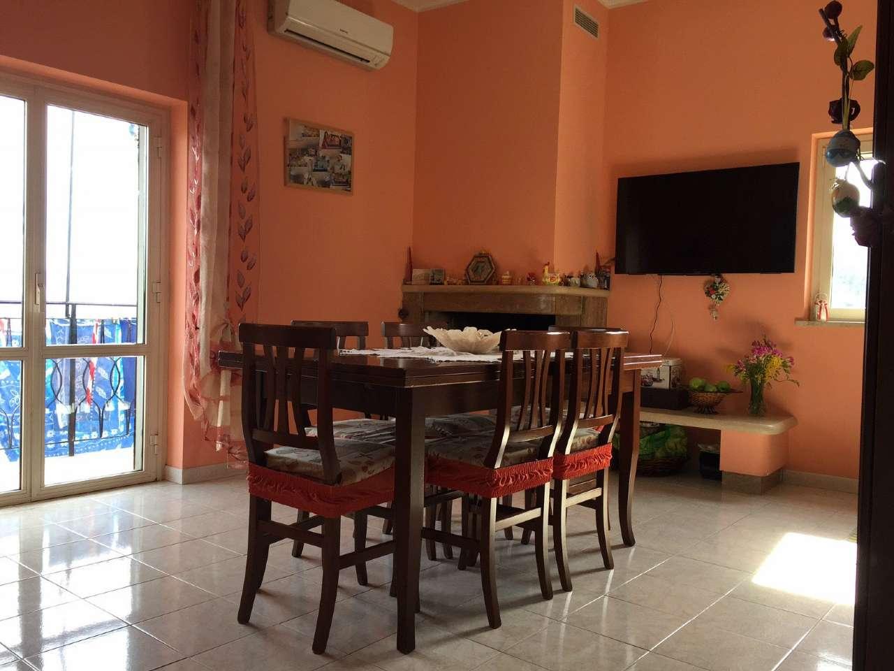 Appartamento in vendita a Civitella San Paolo, 5 locali, prezzo € 95.000 | CambioCasa.it