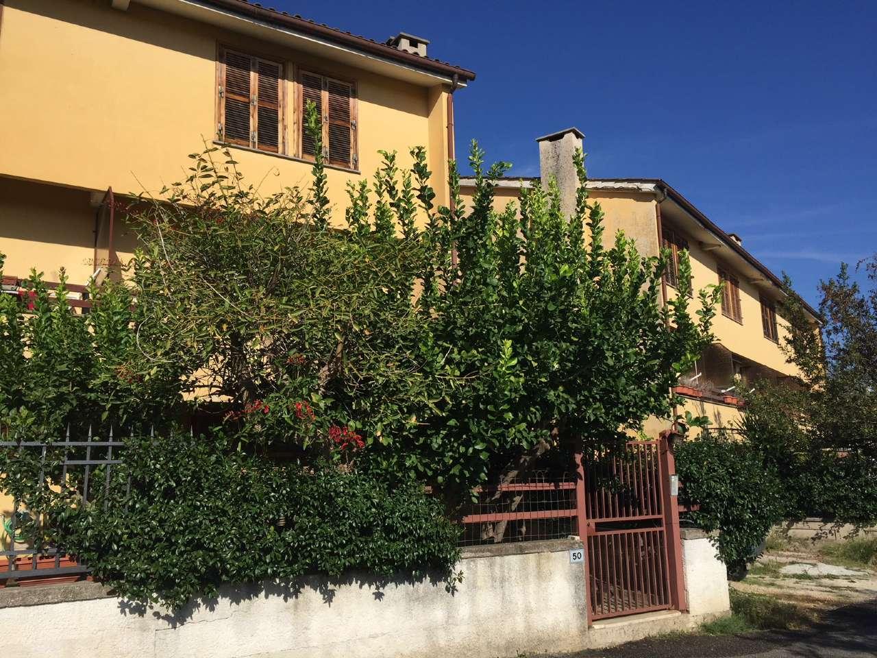 Villa a Schiera in vendita a Nazzano, 5 locali, prezzo € 150.000   CambioCasa.it