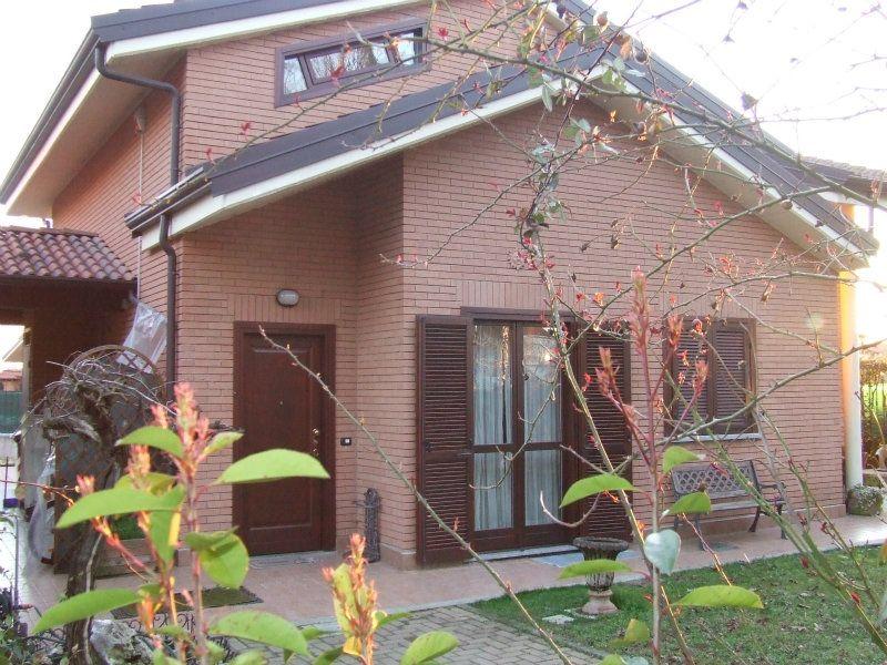 Villa in vendita a Cambiano, 7 locali, prezzo € 329.000 | Cambiocasa.it