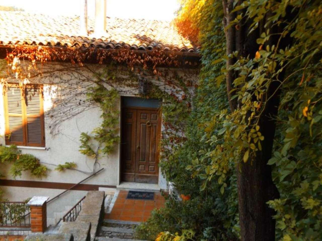Villa Bifamiliare in vendita a Carsoli, 12 locali, prezzo € 295.000 | CambioCasa.it