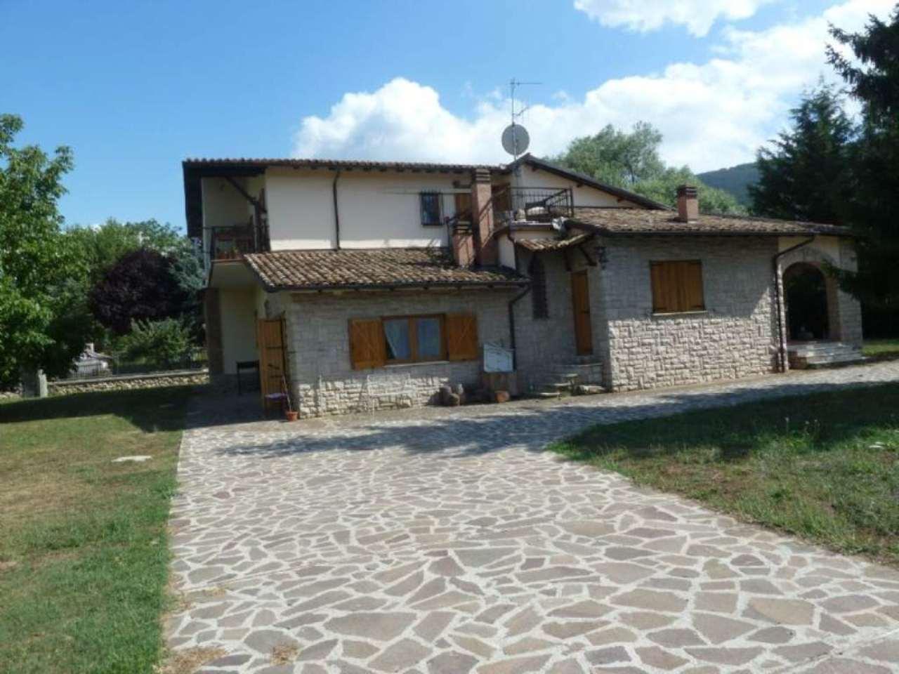 Soluzione Indipendente in vendita a Rocca di Botte, 10 locali, prezzo € 370.000 | Cambio Casa.it