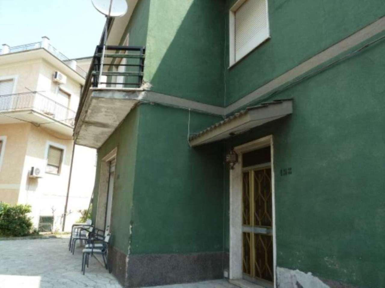 Villa in vendita a Carsoli, 6 locali, prezzo € 220.000 | CambioCasa.it