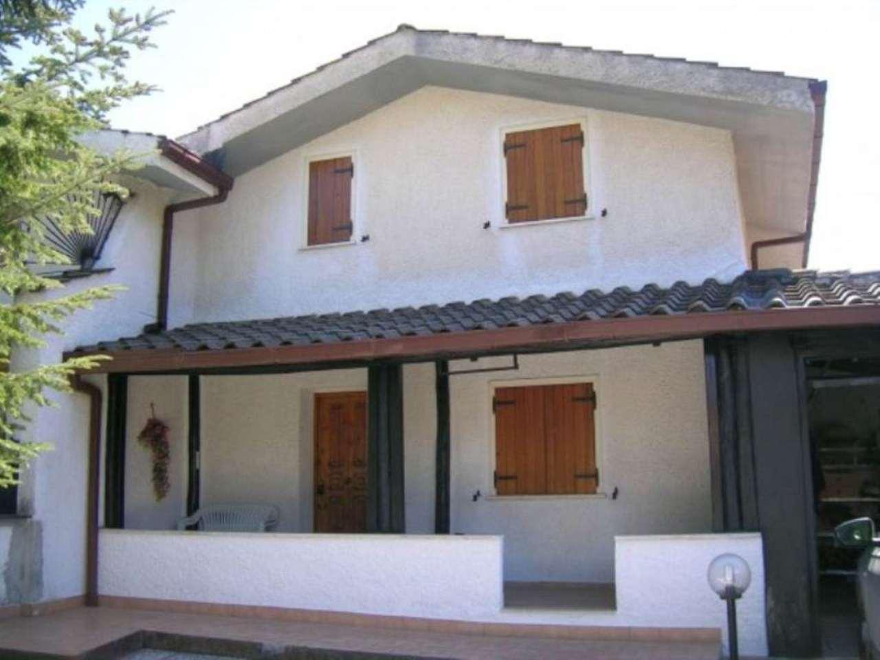Villa in vendita a Rocca di Botte, 3 locali, prezzo € 135.000 | Cambio Casa.it