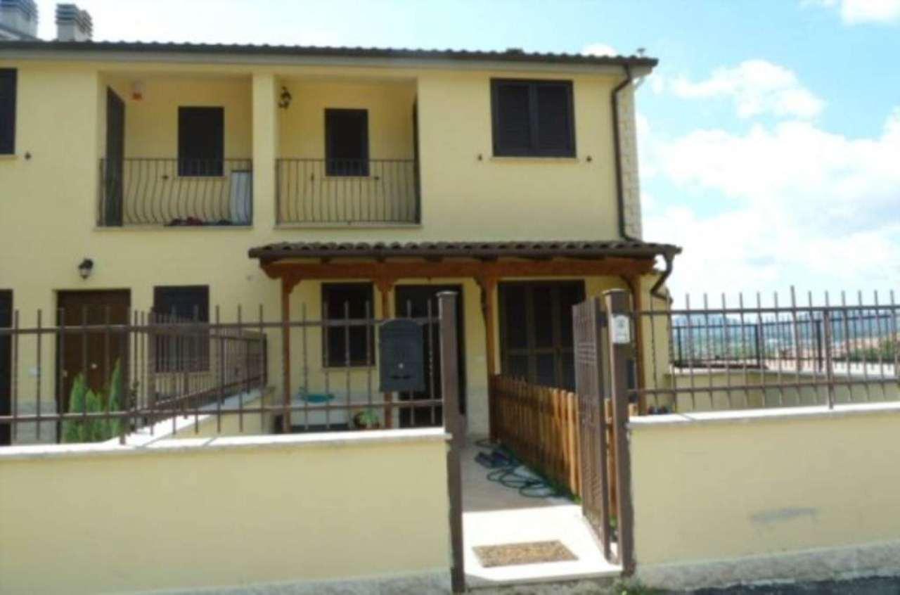 Villa a Schiera in vendita a Carsoli, 4 locali, prezzo € 140.000 | Cambio Casa.it