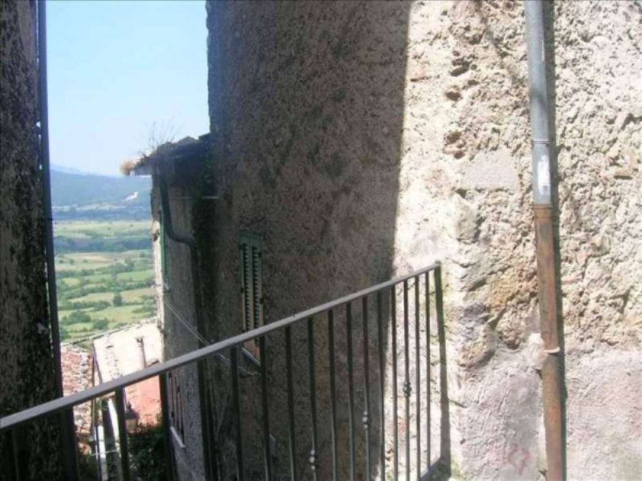 Bilocale Pereto Via Della Rosa 27 1