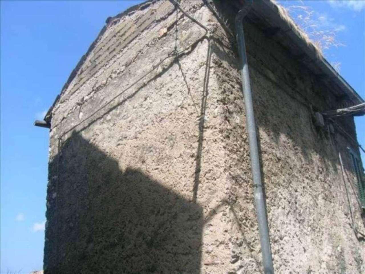 Bilocale Pereto Via Della Rosa 27 5