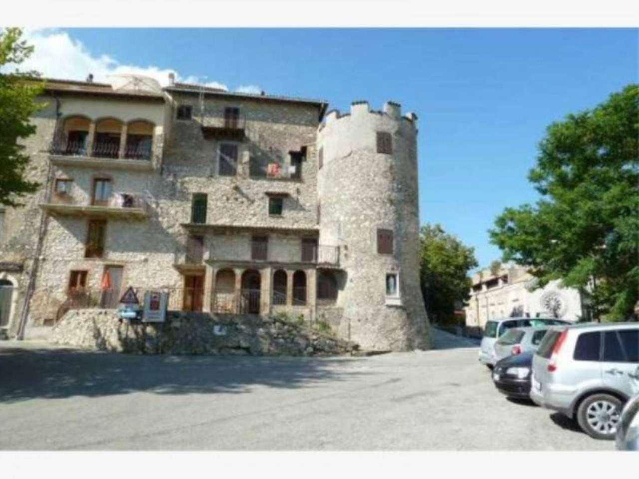 Palazzo / Stabile in vendita a Collalto Sabino, 6 locali, prezzo € 180.000 | Cambio Casa.it