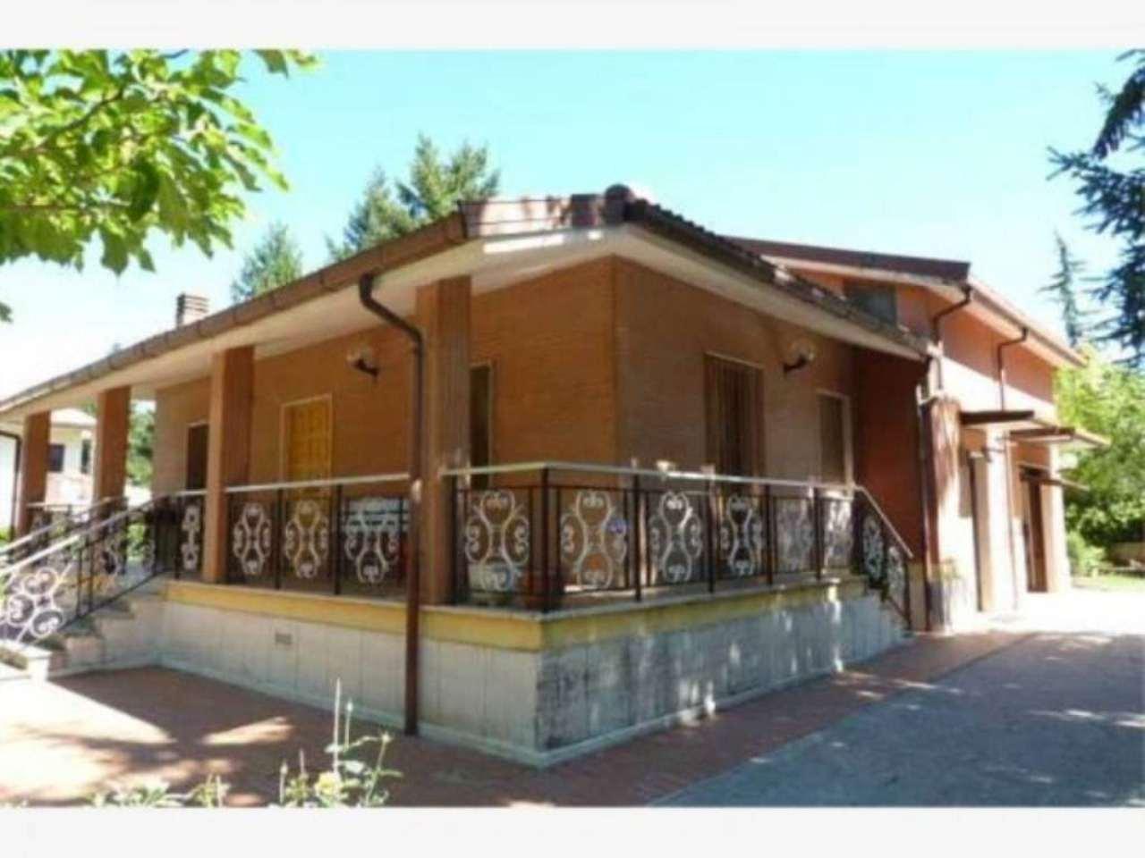 Villa in vendita a Rocca di Botte, 6 locali, prezzo € 260.000 | Cambio Casa.it