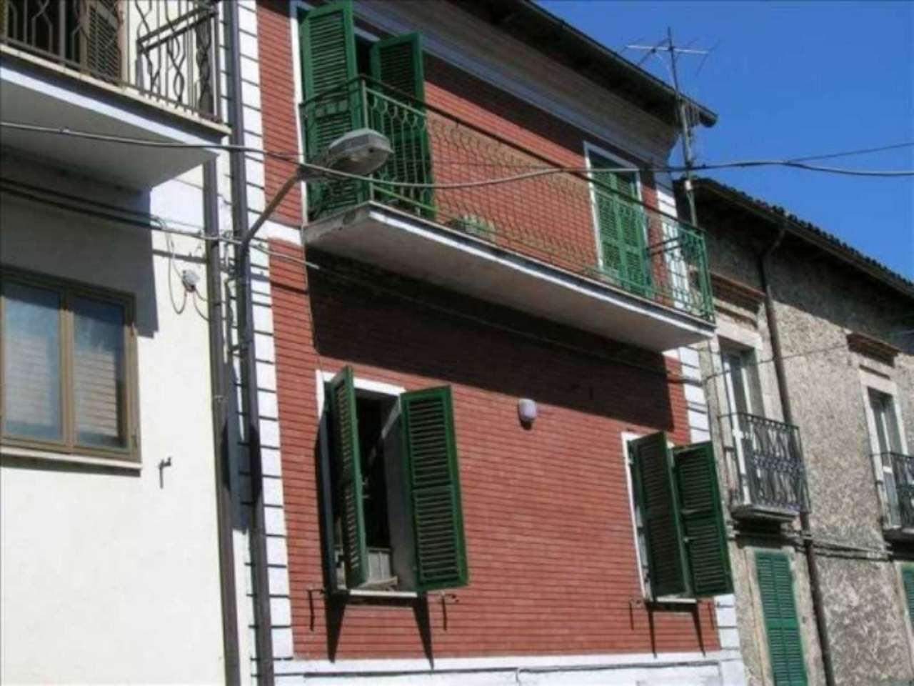 Soluzione Indipendente in vendita a Pescorocchiano, 6 locali, prezzo € 113.000 | Cambio Casa.it