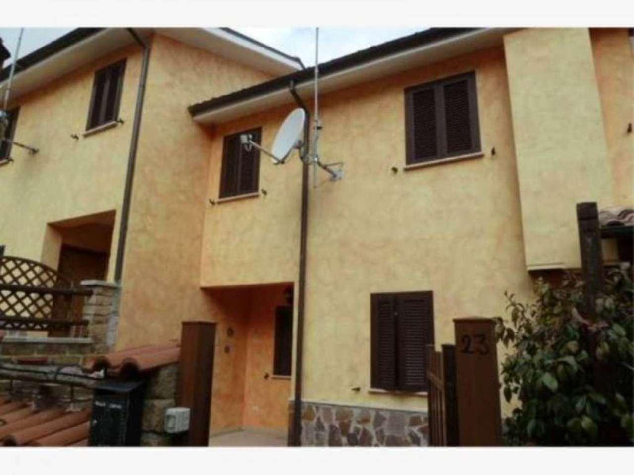 Appartamento in vendita a Rocca di Botte, 3 locali, prezzo € 135.000 | Cambio Casa.it