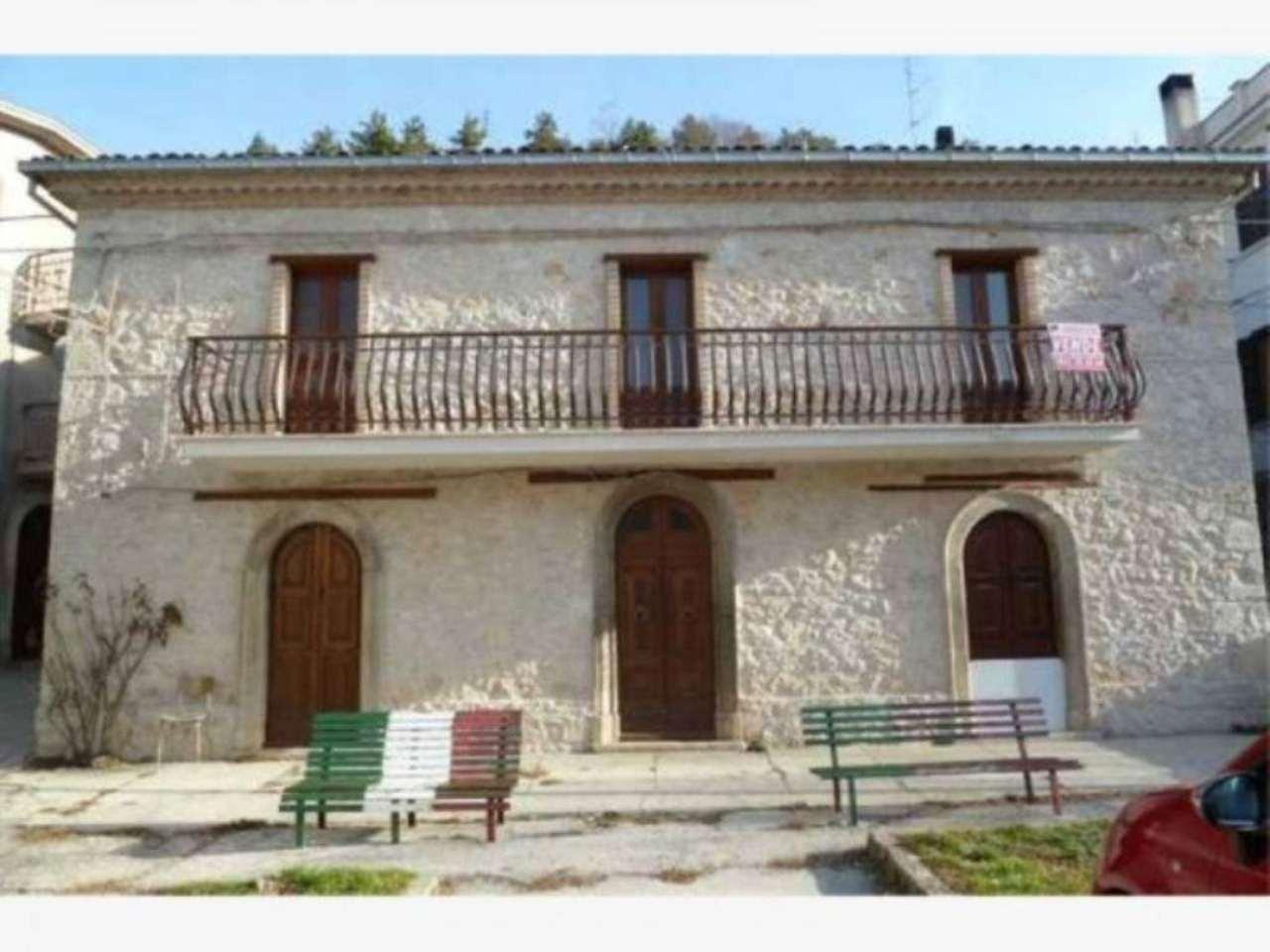Soluzione Indipendente in vendita a Carsoli, 8 locali, prezzo € 128.000 | Cambio Casa.it