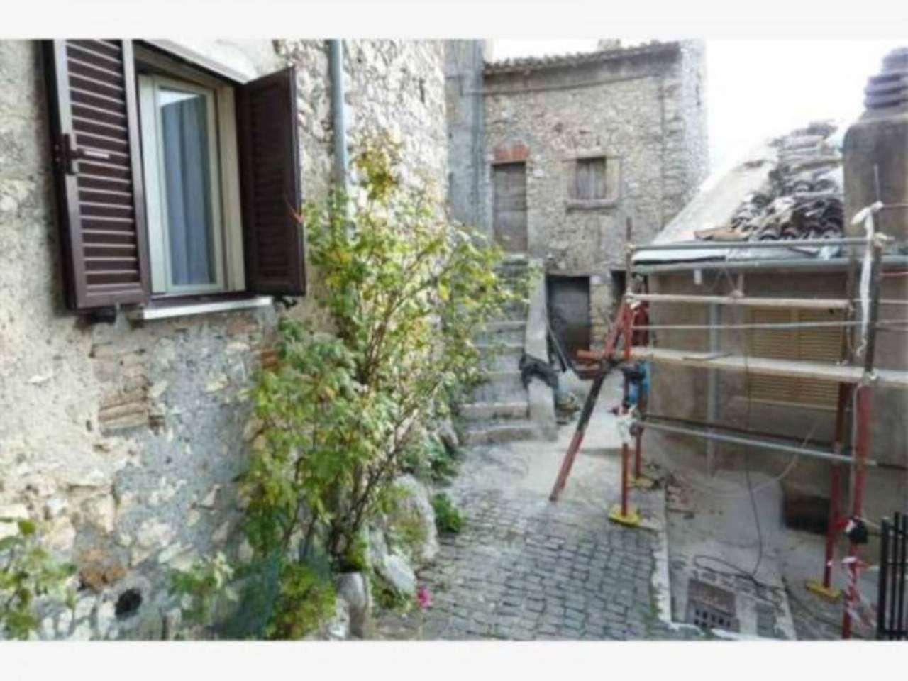 Appartamento in vendita a Pereto, 4 locali, prezzo € 52.000 | Cambio Casa.it