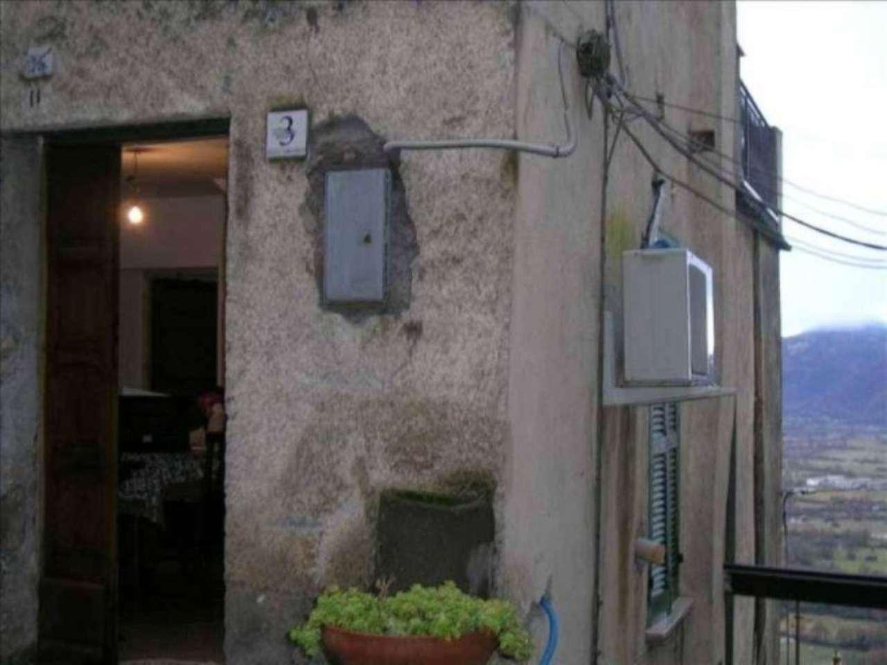 Soluzione Indipendente in vendita a Pereto, 4 locali, prezzo € 65.000 | Cambio Casa.it