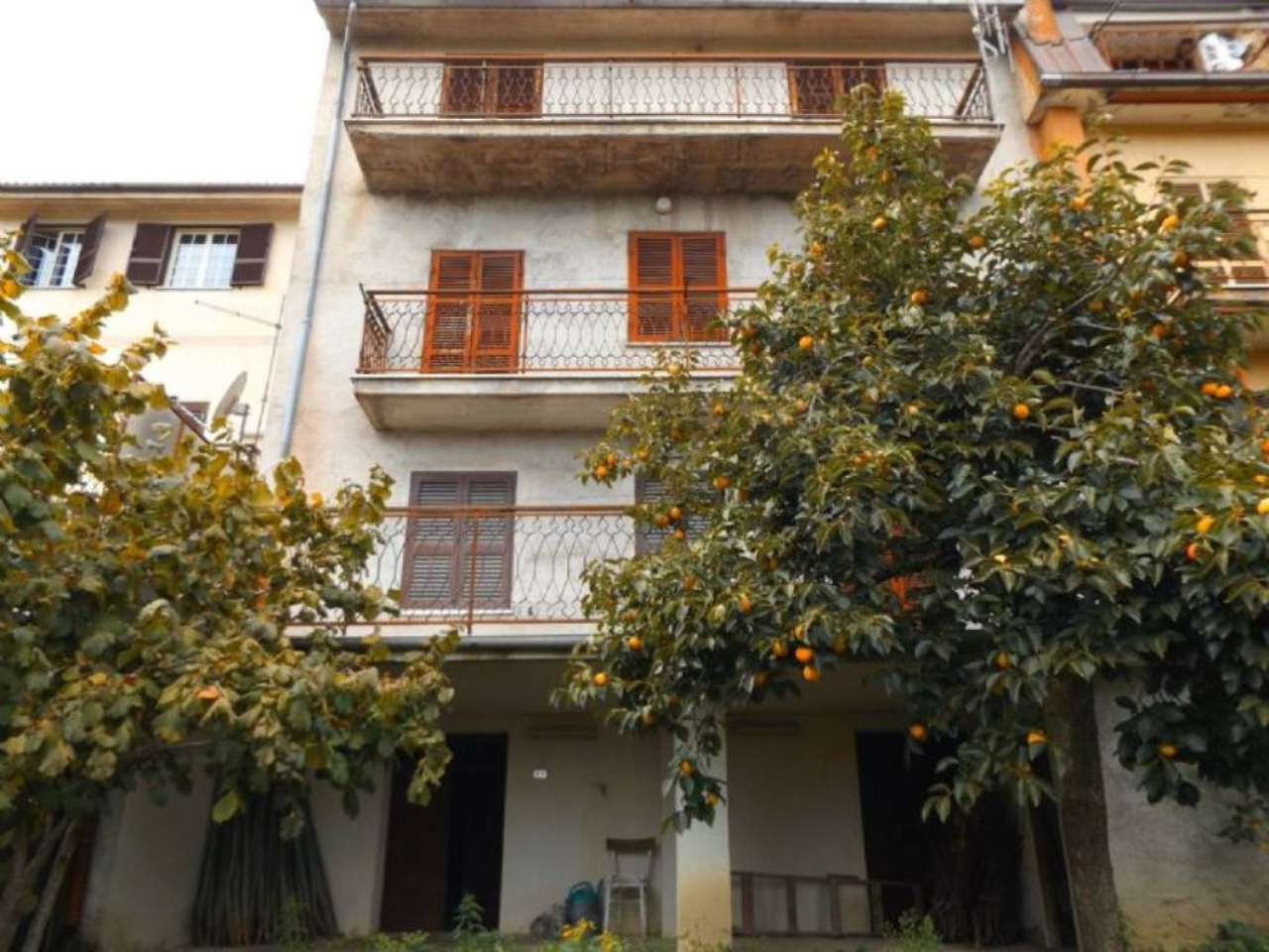 Palazzo / Stabile in Vendita a Carsoli