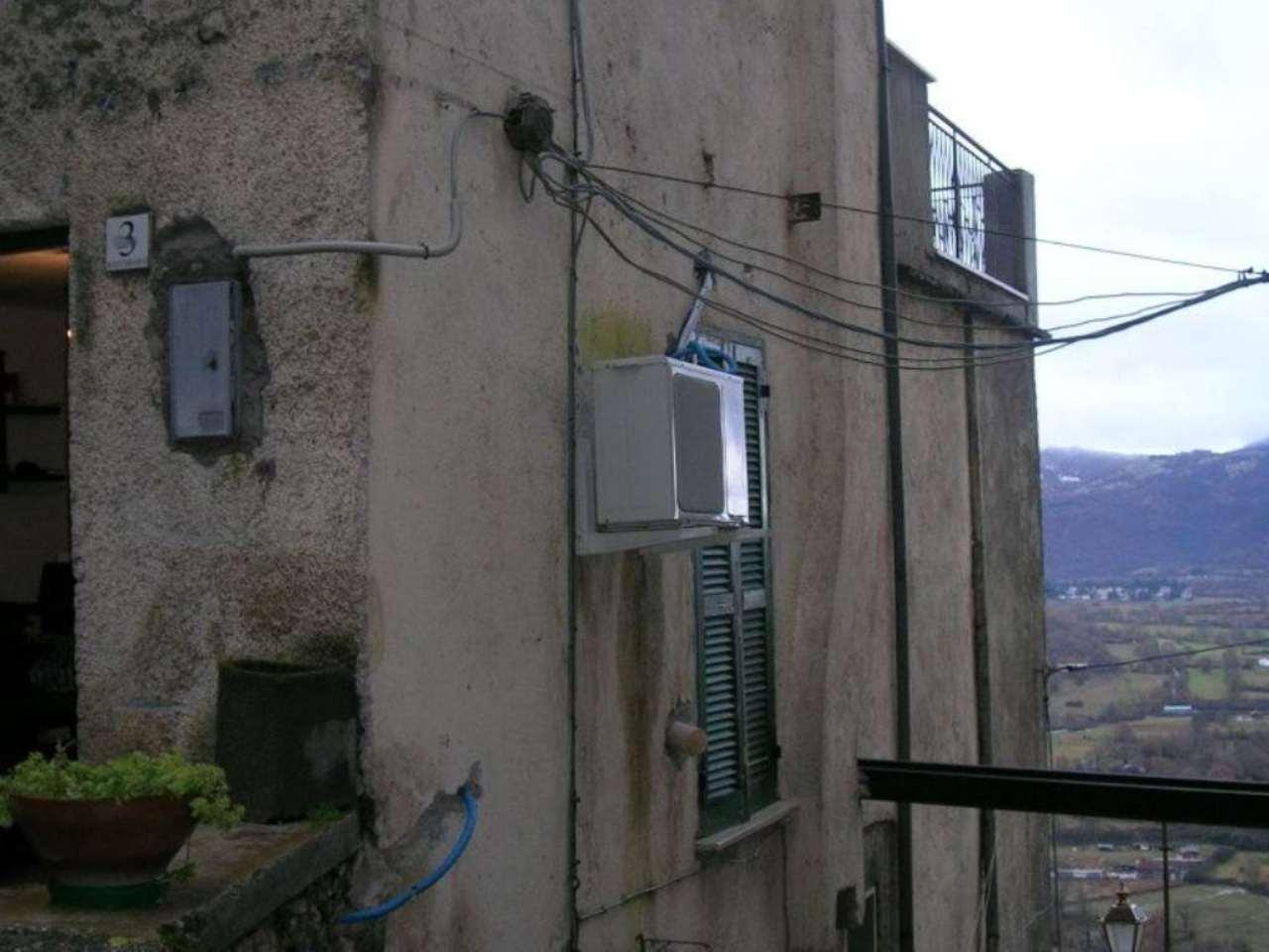 Bilocale Pereto Via San Giorgio 9