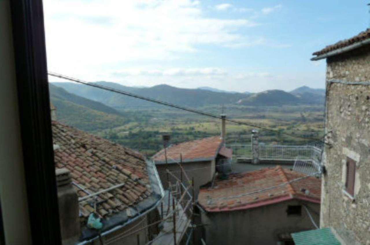 Bilocale Pereto Via Del Grappa 10