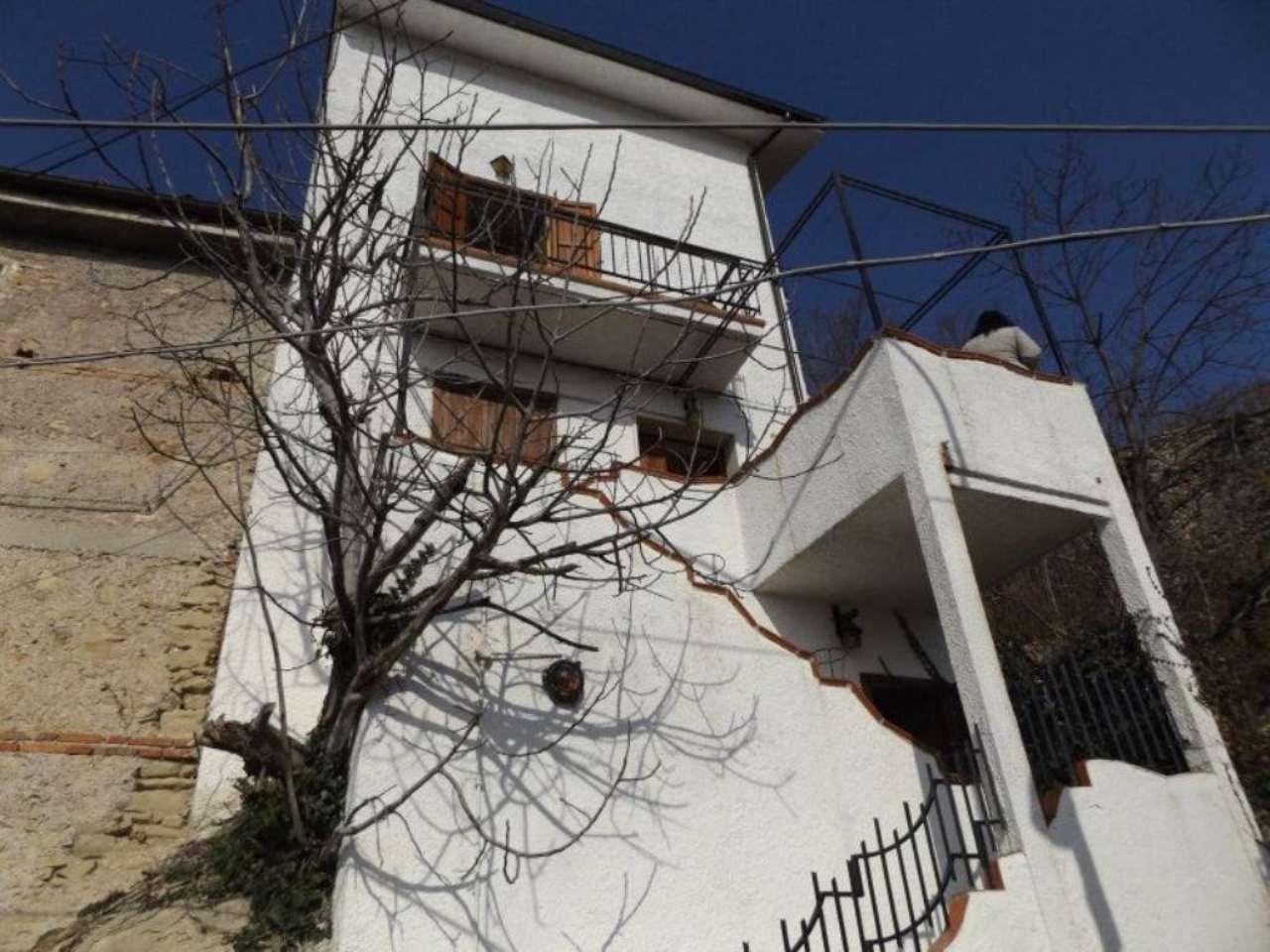 Soluzione Indipendente in vendita a Carsoli, 6 locali, prezzo € 95.000 | Cambio Casa.it