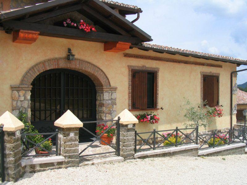 Soluzione Indipendente in vendita a Rocca di Botte, 9999 locali, prezzo € 229.000   Cambio Casa.it