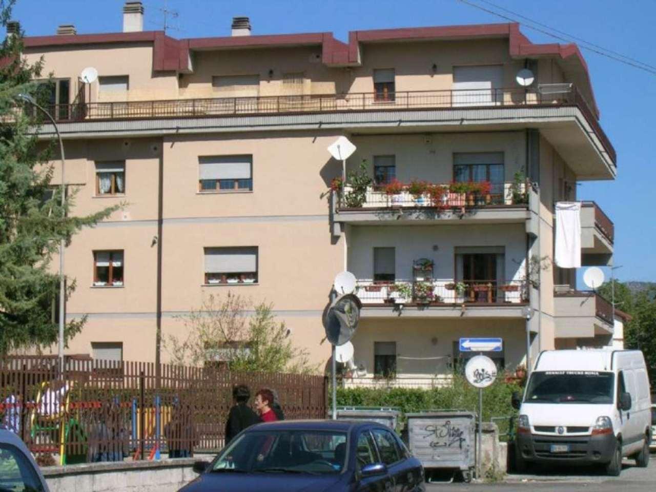 Appartamento in vendita a Carsoli, 5 locali, prezzo € 198.000 | Cambio Casa.it