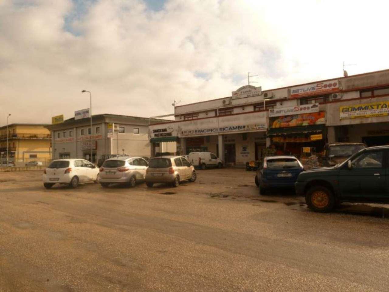 Immobile Commerciale in vendita a Carsoli, 3 locali, prezzo € 350.000 | Cambio Casa.it