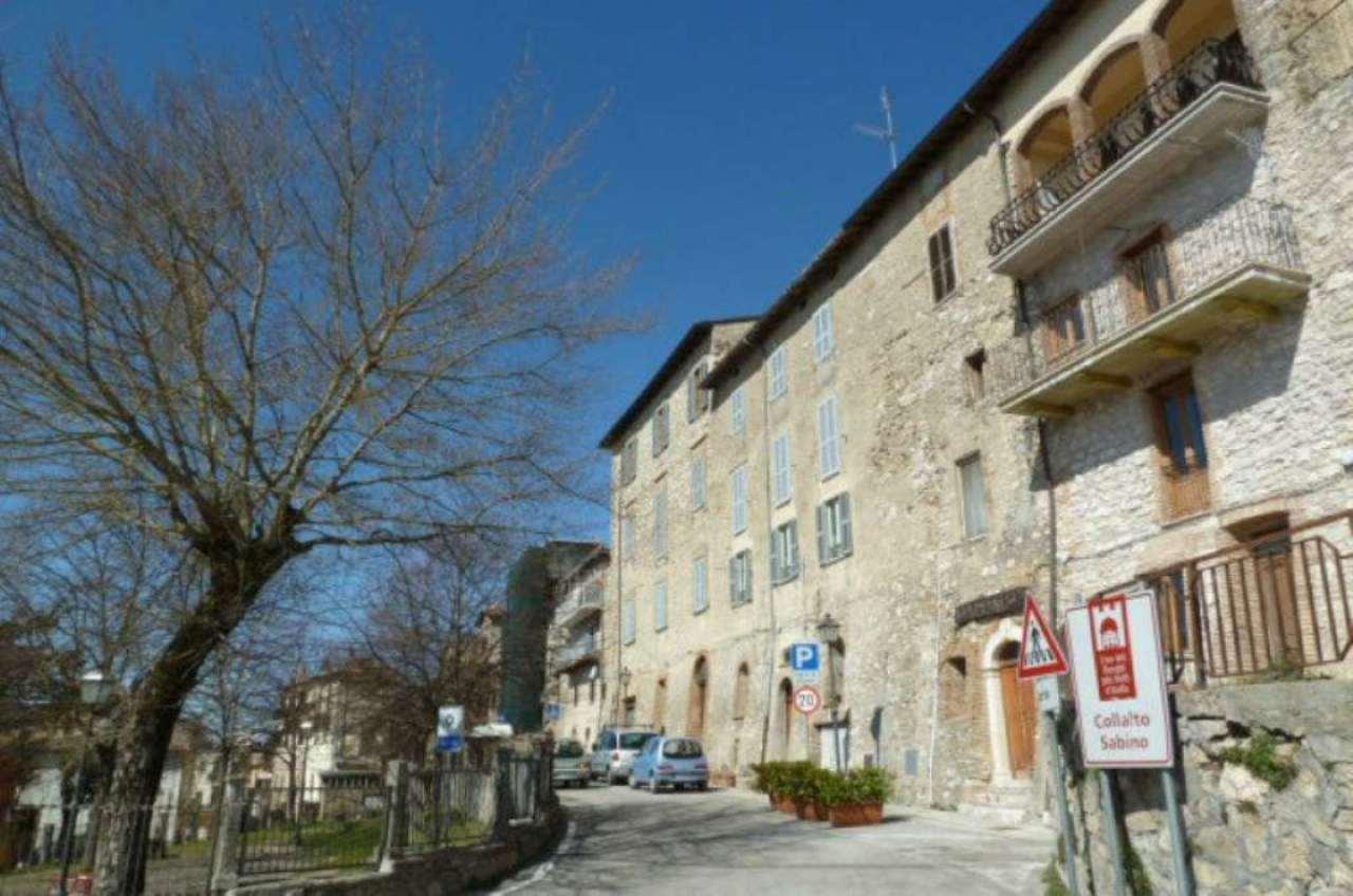 Bilocale Collalto Sabino Piazza Unberto  I 7