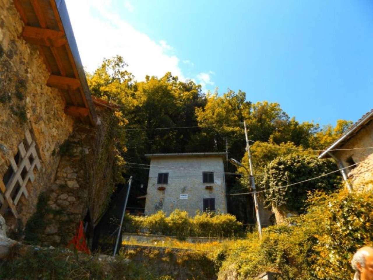 Villa in vendita a Anticoli Corrado, 4 locali, prezzo € 78.000 | Cambio Casa.it