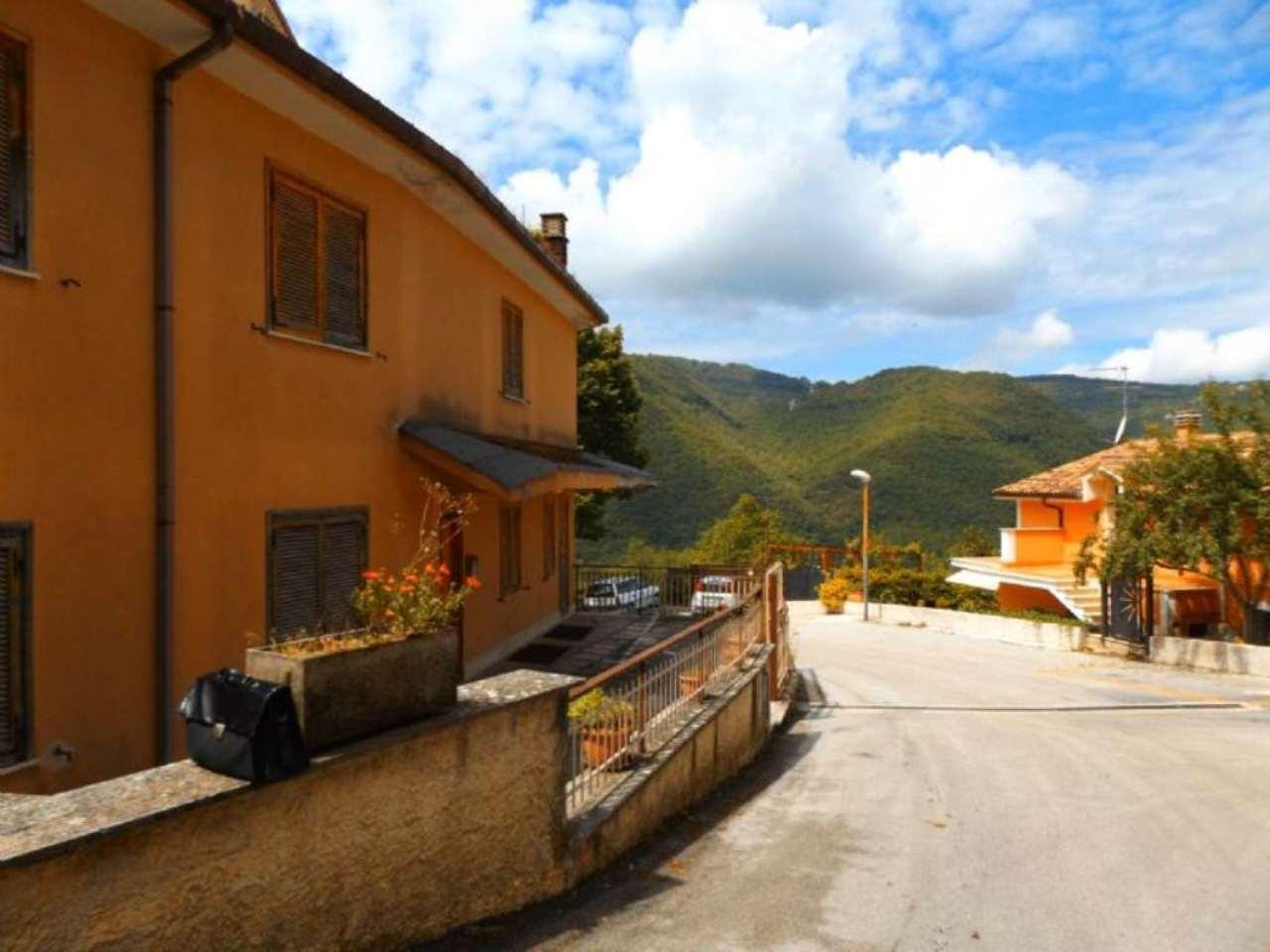 Bilocale Paganico Sabino Via Montecervia 2
