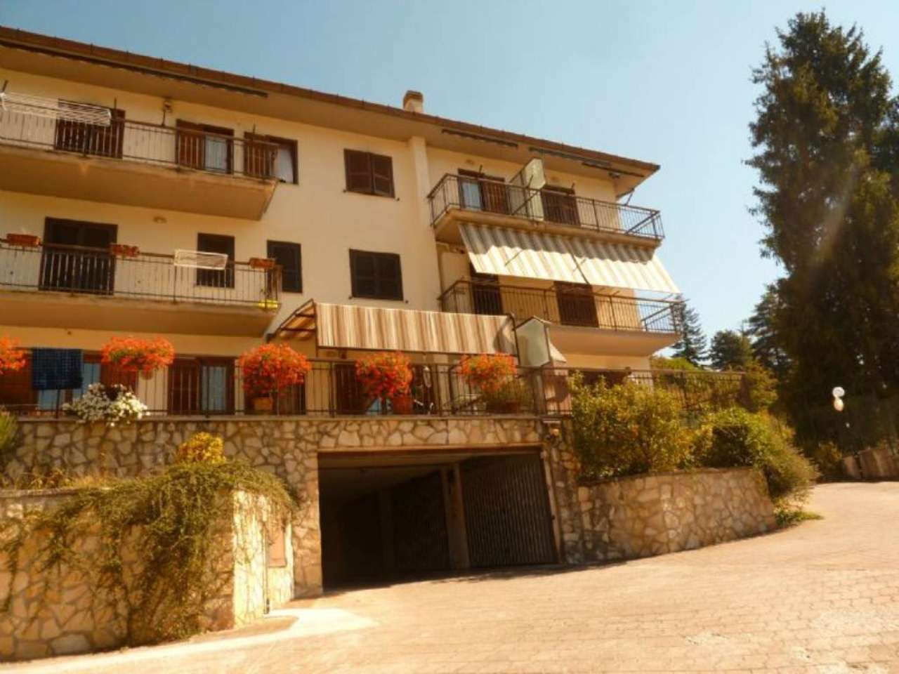 Appartamento in vendita a Carsoli, 4 locali, prezzo € 139.000 | Cambio Casa.it