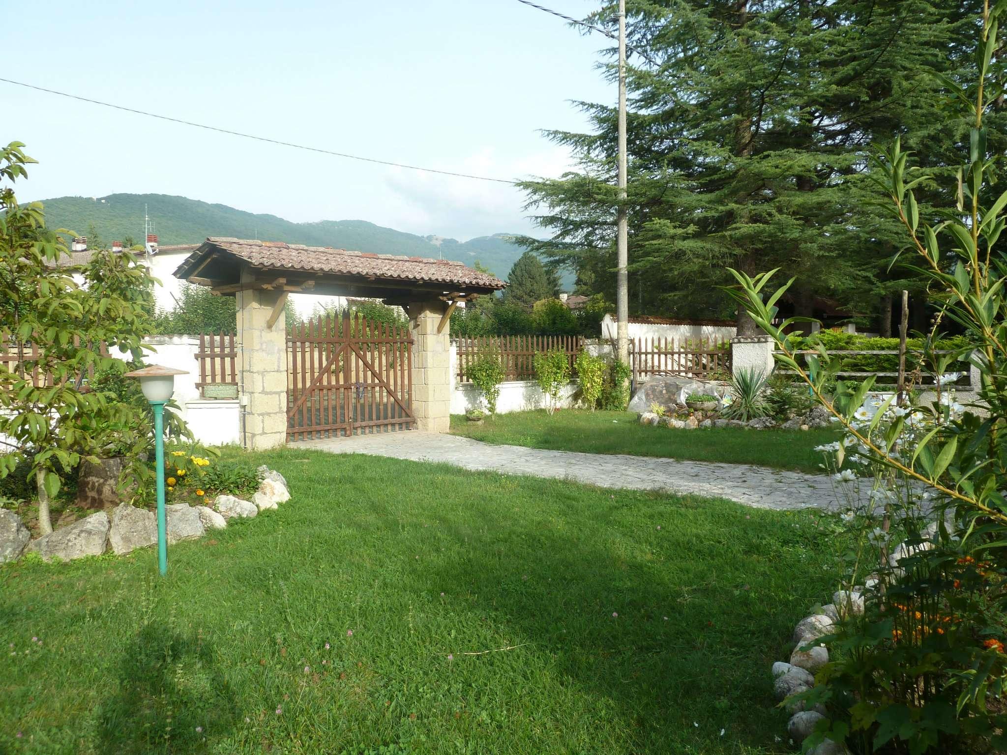 Soluzione Indipendente in vendita a Rocca di Botte, 5 locali, prezzo € 150.000 | Cambio Casa.it
