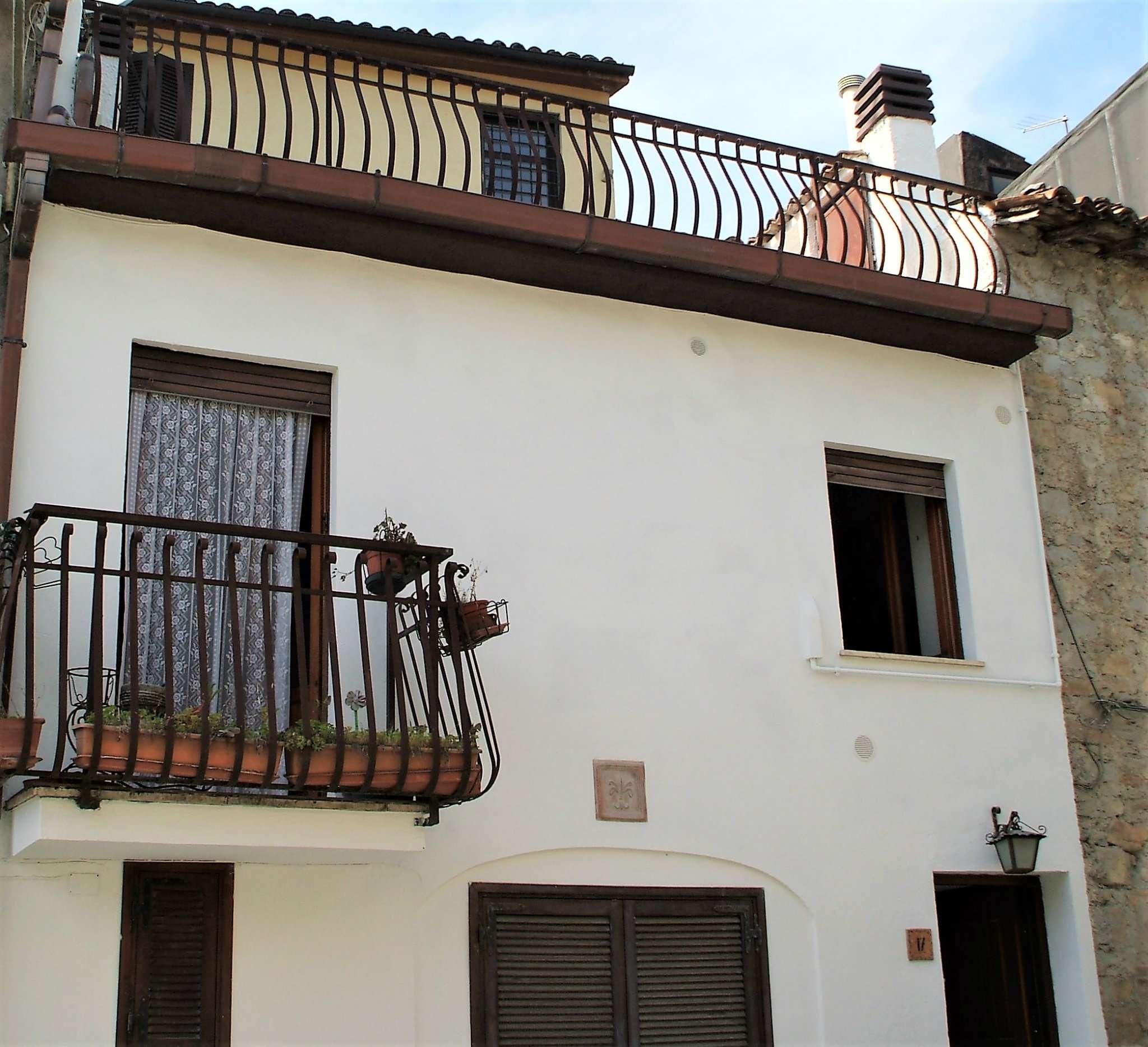 Soluzione Indipendente in vendita a Carsoli, 9999 locali, prezzo € 89.000 | Cambio Casa.it