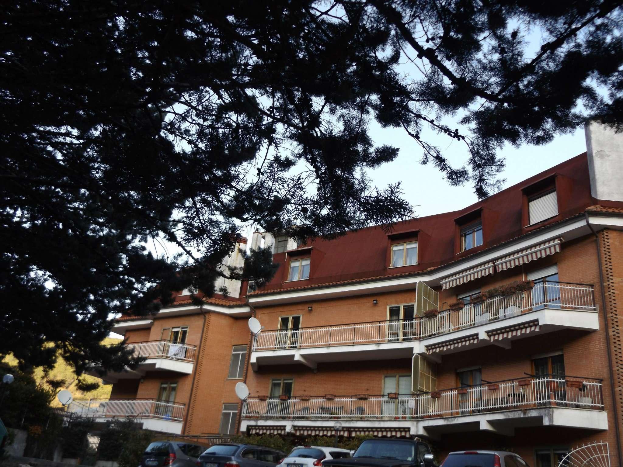 Appartamento in vendita a Arsoli, 4 locali, prezzo € 88.000 | CambioCasa.it