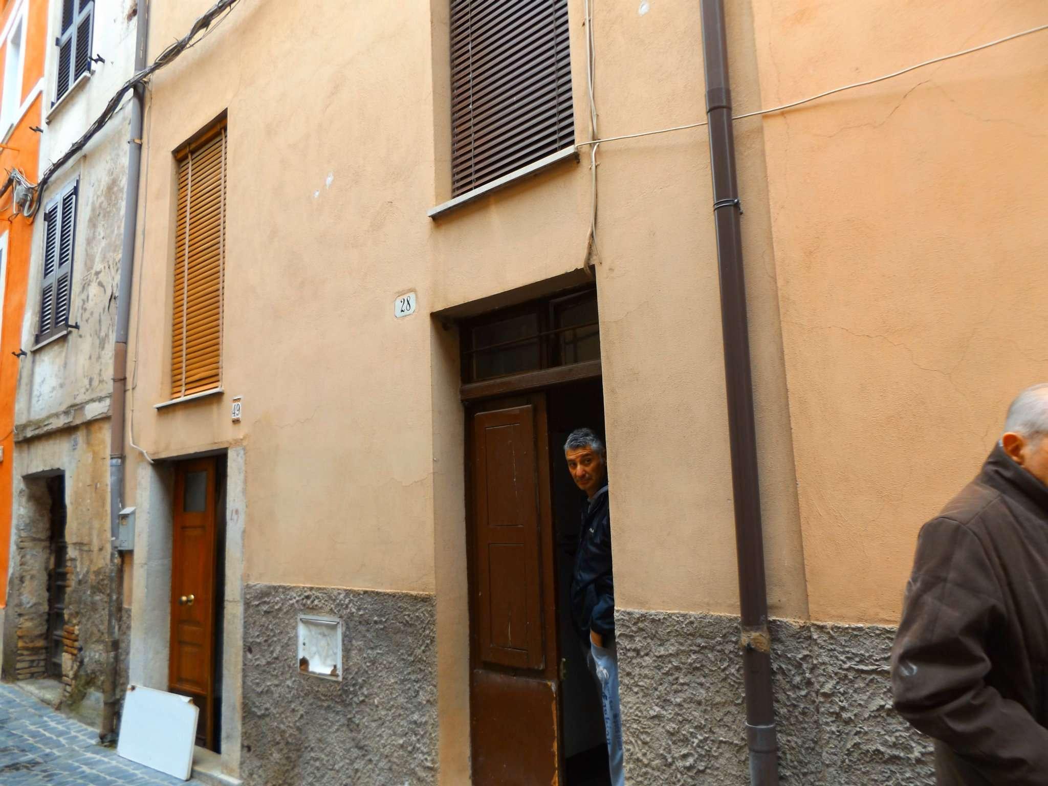 Soluzione Indipendente in vendita a Arsoli, 4 locali, prezzo € 33.000 | CambioCasa.it