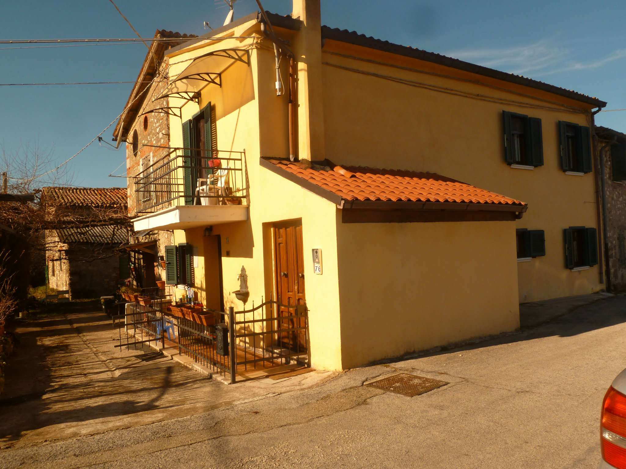 Soluzione Semindipendente in vendita a Oricola, 4 locali, prezzo € 110.000 | Cambio Casa.it