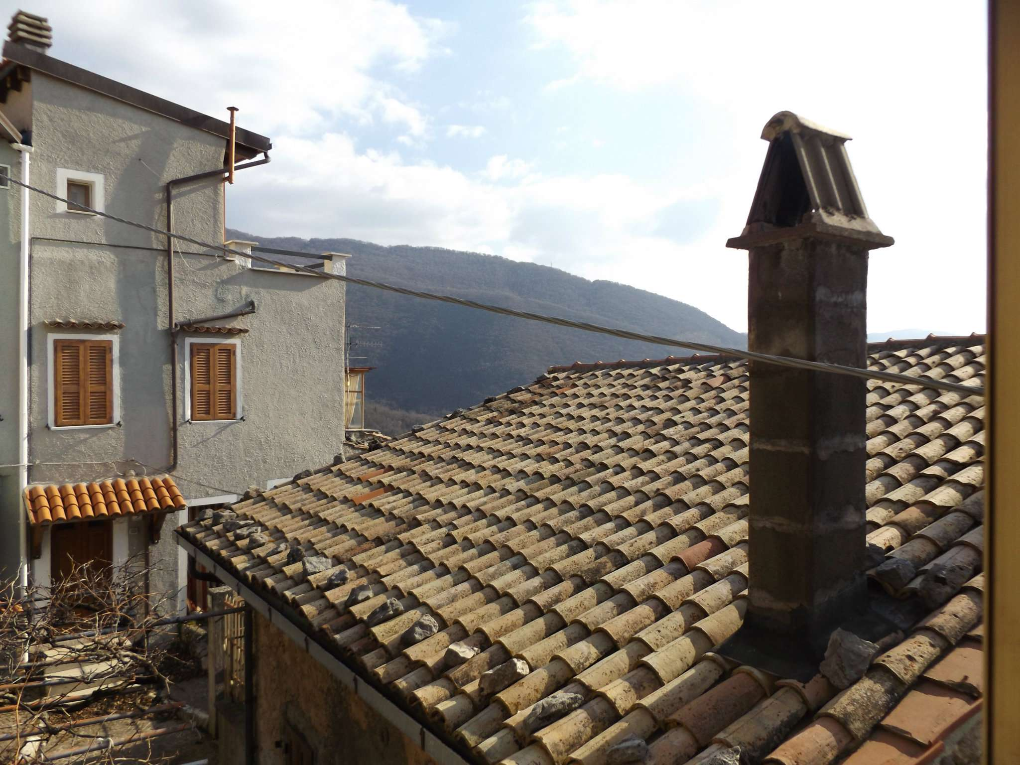 Soluzione Indipendente in vendita a Pereto, 7 locali, prezzo € 34.000 | CambioCasa.it