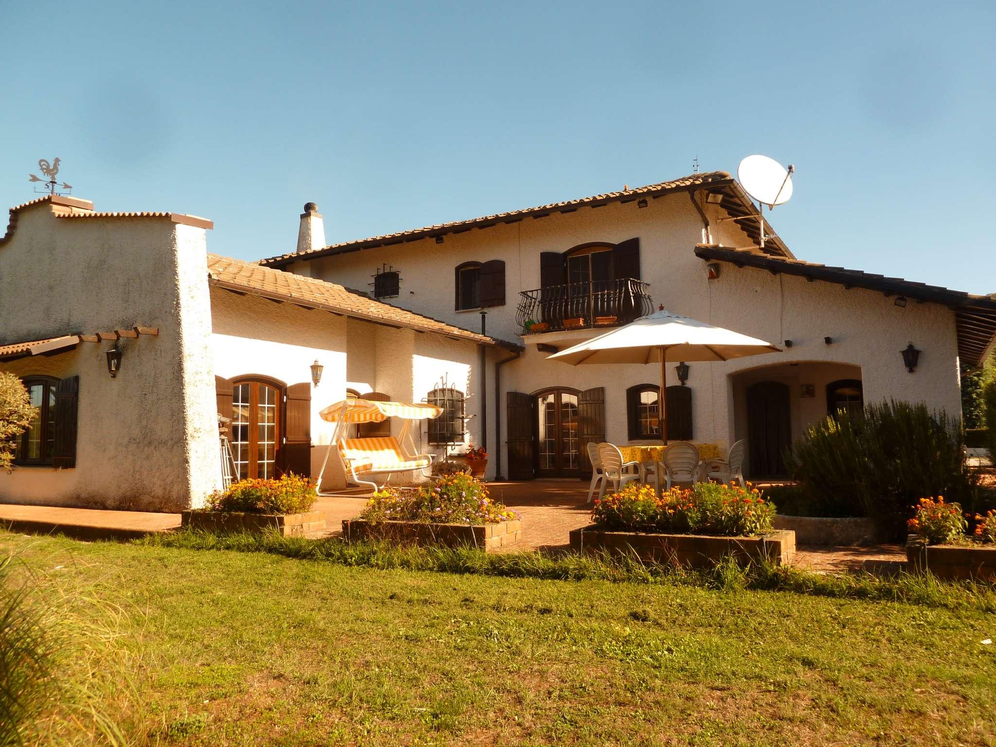 Villa in vendita a Rocca di Botte, 12 locali, prezzo € 620.000 | CambioCasa.it