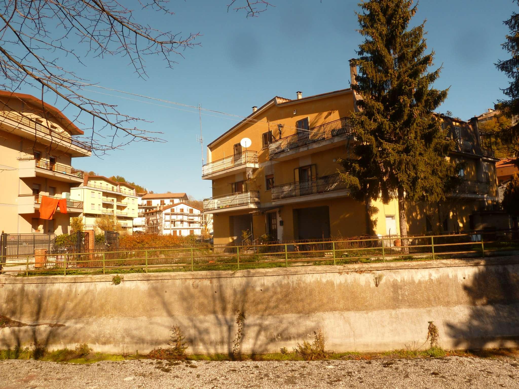 Appartamento in vendita a Carsoli, 5 locali, prezzo € 103.000   CambioCasa.it