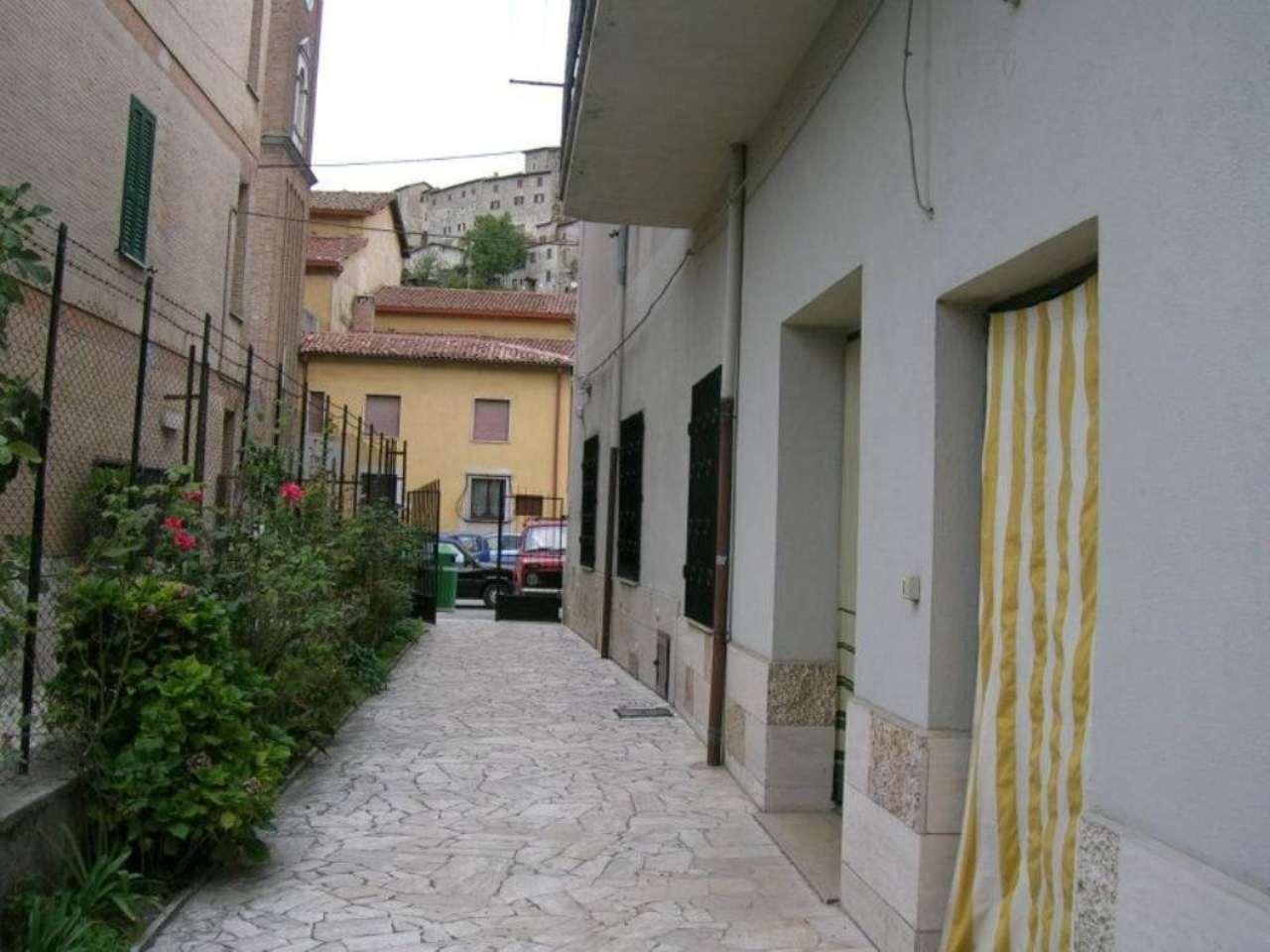 Palazzo / Stabile in vendita a Carsoli, 9999 locali, prezzo € 190.000 | Cambio Casa.it