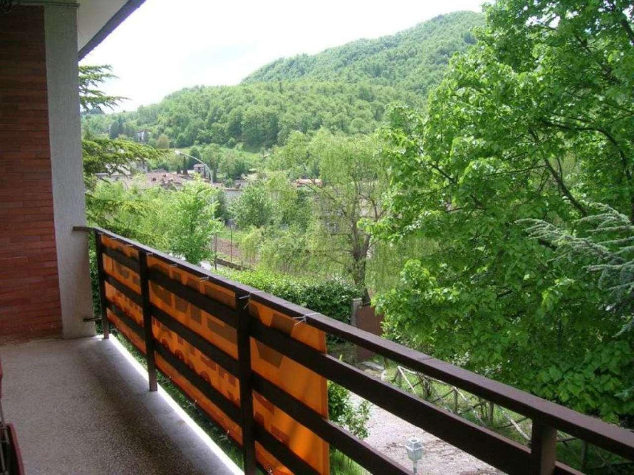 Villa in vendita a Carsoli, 7 locali, prezzo € 380.000 | CambioCasa.it