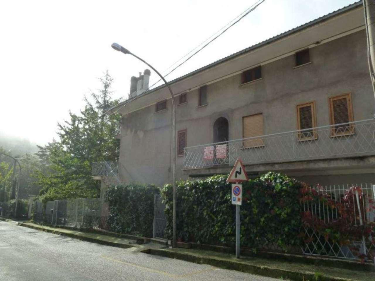 Bilocale Pereto Corso Umberto I 1