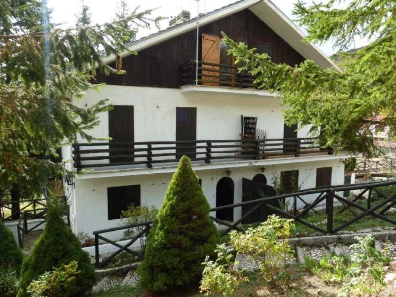 Palazzo / Stabile in Vendita a Tagliacozzo