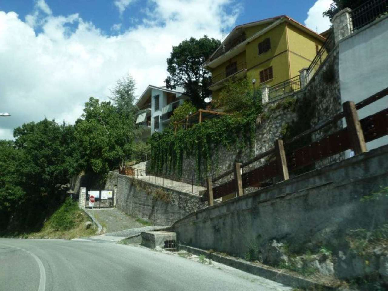 Appartamento in vendita a Pereto, 9 locali, prezzo € 75.000 | Cambio Casa.it