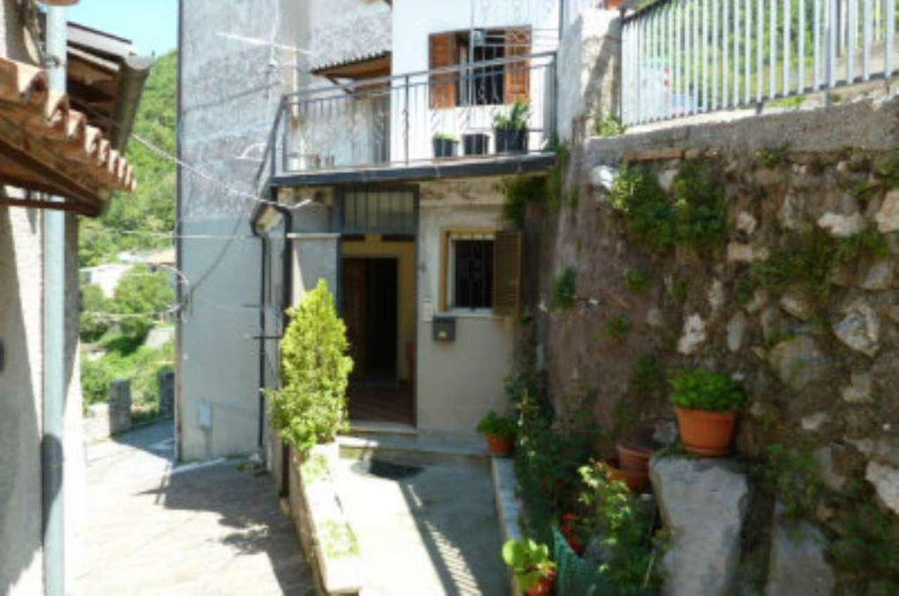 Soluzione Indipendente in vendita a Carsoli, 6 locali, prezzo € 93.000 | Cambio Casa.it