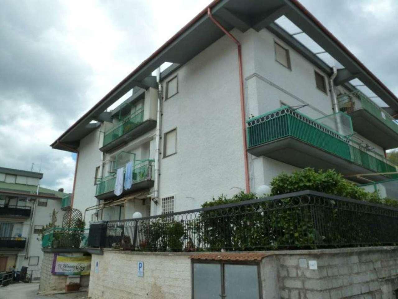 Appartamento in vendita a Carsoli, 3 locali, prezzo € 52.000 | Cambio Casa.it