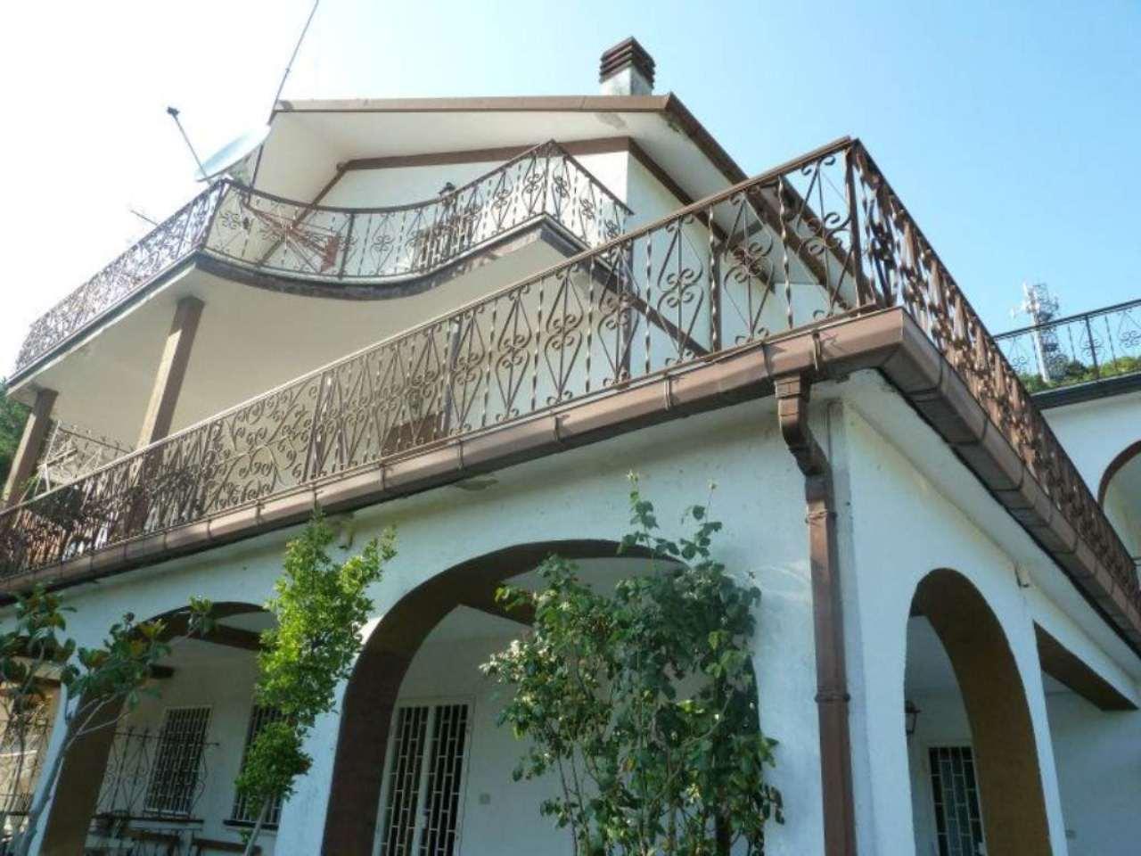 Villa Tri-Quadrifamiliare in Vendita a Carsoli